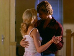 Clay and Callie dance. (Viggo Mortensen, Ashley Judd)